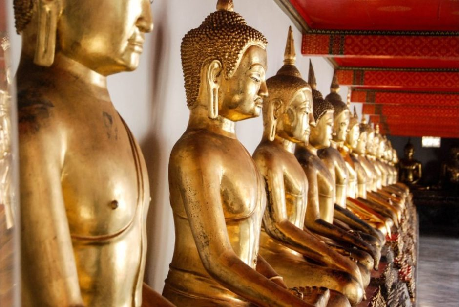 Many Buddhas in a row